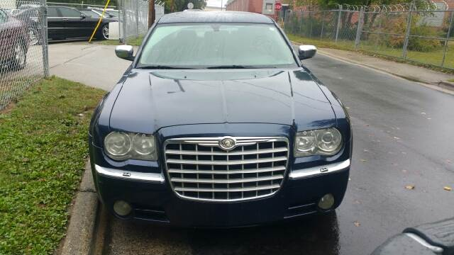2005 Chrysler 300 for sale at IMPORT AUTO SOLUTIONS, INC. in Greensboro NC
