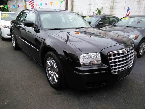 2008 Chrysler 300 for sale in Brentwood, NY