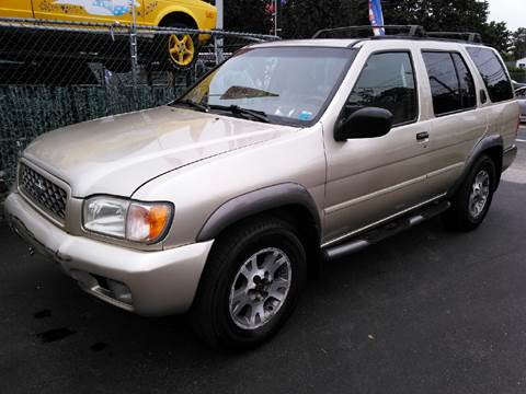 2000 Nissan Pathfinder for sale in Brentwood, NY