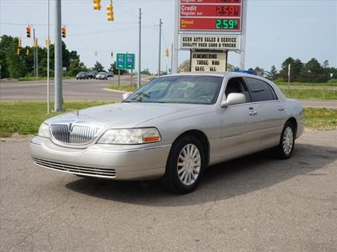 2003 Lincoln Town Car for sale in Chelsea, MI
