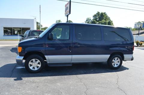 2004 Ford E-Series Wagon for sale in Elkin, NC