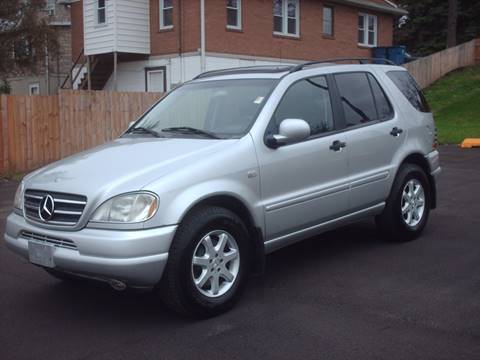 2000 Mercedes-Benz M-Class for sale at Car Mas Broadway in Crest Hill IL