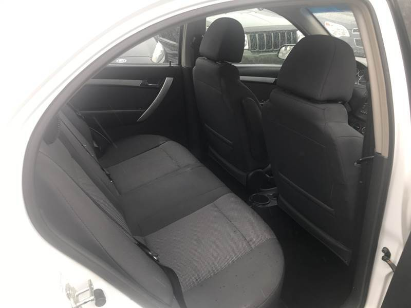 2011 Chevrolet Aveo LT 4dr Sedan w/1LT - Crest Hill IL