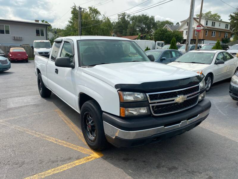 2006 Chevrolet Silverado 1500 Work Truck 4dr Extended Cab 6.5 ft. SB - Crest Hill IL