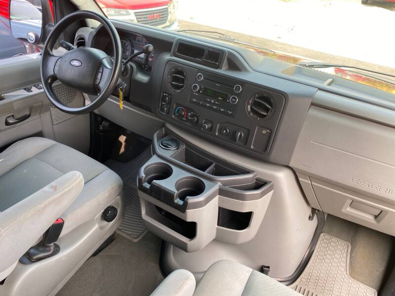 2009 Ford E-Series Wagon E-150 XLT 3dr Passenger Van - Crest Hill IL