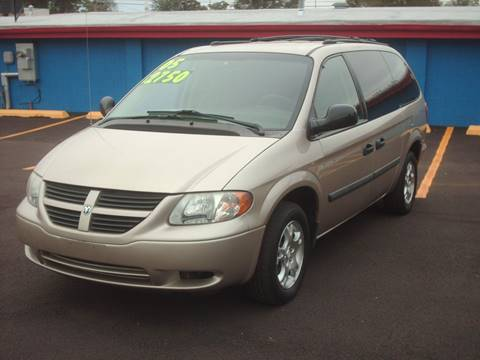 2005 Dodge Grand Caravan for sale at Car Mas Broadway in Crest Hill IL