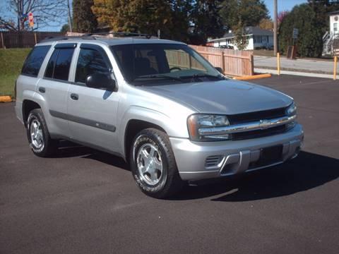 2004 Chevrolet TrailBlazer for sale at Car Mas Broadway in Crest Hill IL