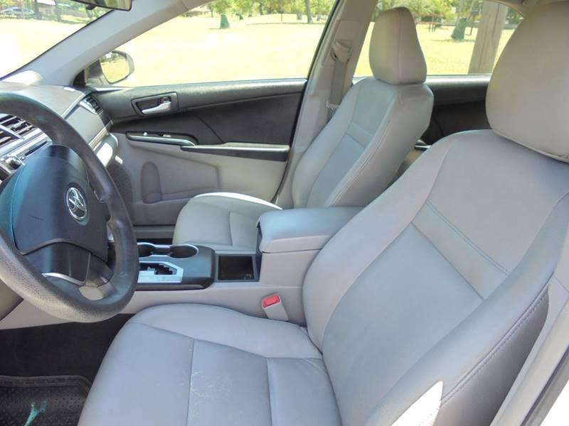 2012 Toyota Camry XLE 4dr Sedan - San Antonio TX