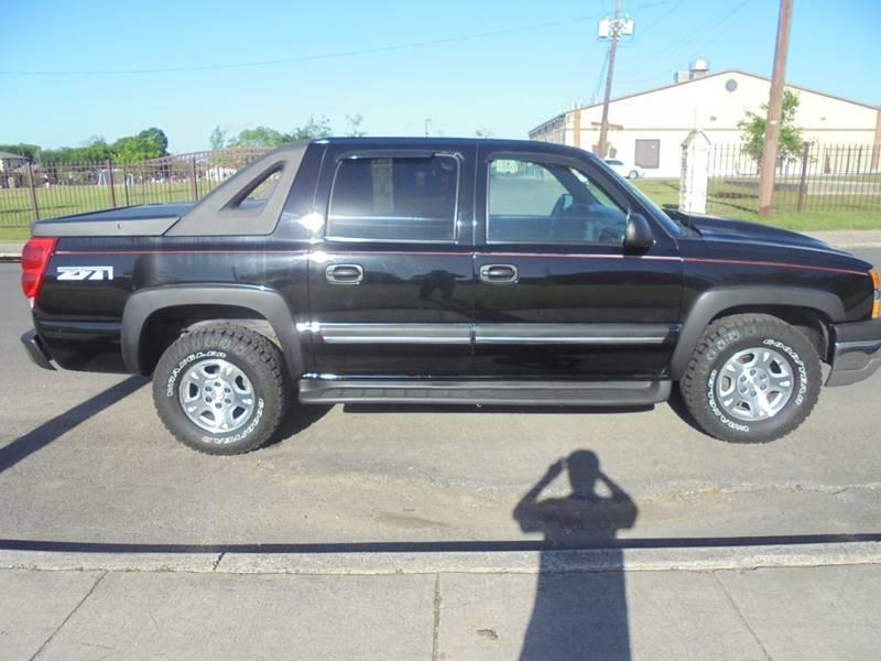 2004 Chevrolet Avalanche 4dr 1500 4WD Crew Cab SB - San Antonio TX