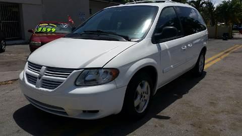 2006 Dodge Caravan for sale in Hollywood, FL