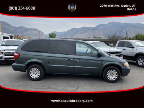 2002 Chrysler Town and Country for sale at S S Auto Brokers in Ogden UT
