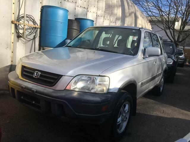 2000 Honda CR-V for sale at Drive Deleon in Yonkers NY