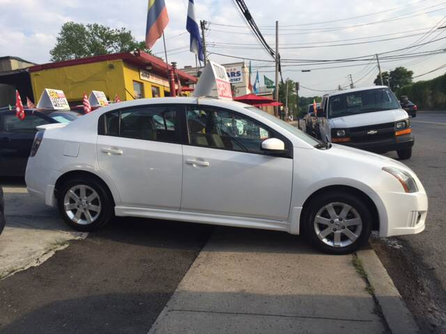 2010 nissan sentra 2 0 sr 4dr sedan in yonkers ny deleon mich auto sales. Black Bedroom Furniture Sets. Home Design Ideas