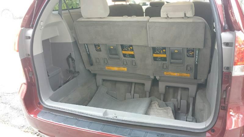 2013 Toyota Sienna LE 8-Passenger 4dr Mini-Van - Brooklyn NY