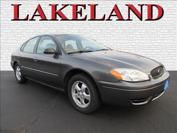 2005 Ford Taurus for sale in Lake Mills, WI