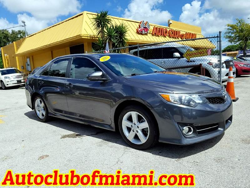 2013 TOYOTA CAMRY SE 4DR SEDAN gray perfect condition 2013 toyta camry le edition with alloy whee