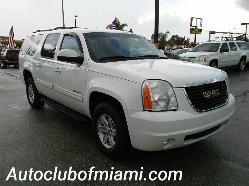 2011 GMC YUKON XL SLE 1500 4X4 4DR SUV white all of our vehicles are clean titles financing is a