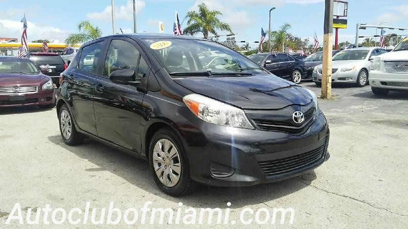2013 TOYOTA YARIS 5 DOOR LE 4DR HATCHBACK black all of our vehicles are clean titles financing i