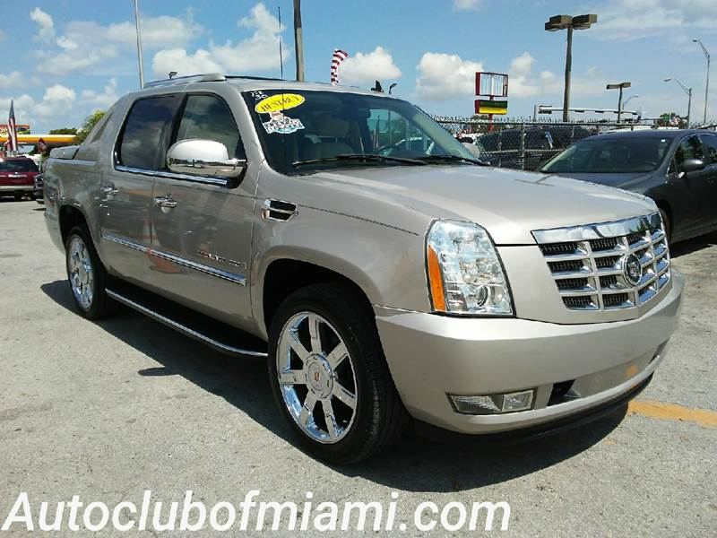 2007 CADILLAC ESCALADE EXT BASE AWD 4DR CREW CAB SB gold beatiful in and out this nice vehicle co