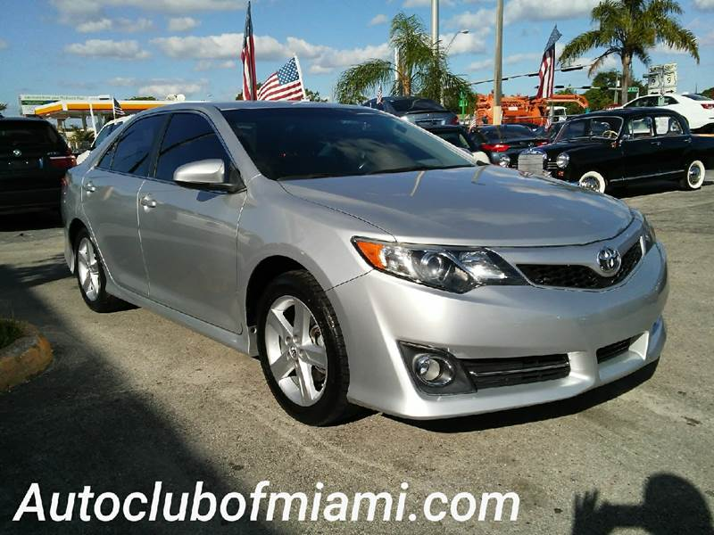2014 TOYOTA CAMRY SE 4DR SEDAN silver all of our vehicles are clean titles financing is availabl