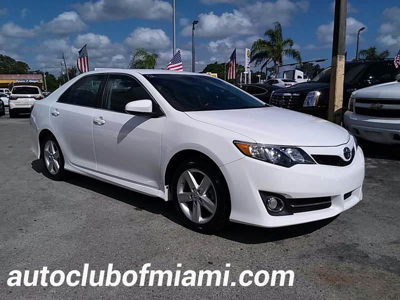2014 TOYOTA CAMRY SE 4DR SEDAN white all of our vehicles are clean titles financing is available