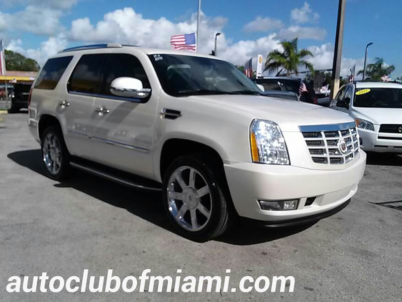 2009 CADILLAC ESCALADE BASE 4DR SUV WV8 ULTRA LUXURY C white all of our vehicles are clean titles