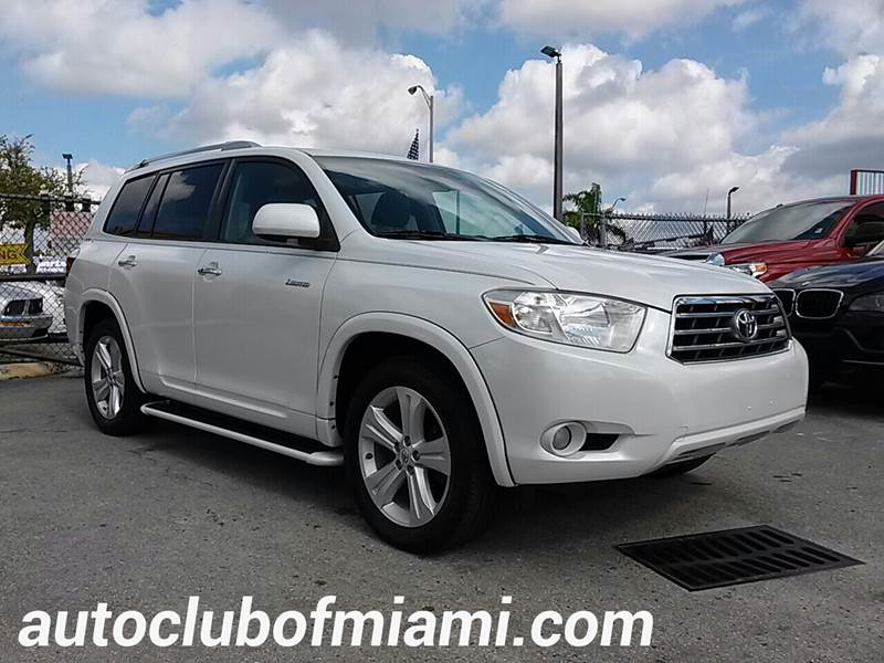 2009 TOYOTA HIGHLANDER LIMITED 4DR SUV white all of our vehicles are clean titles financing is a