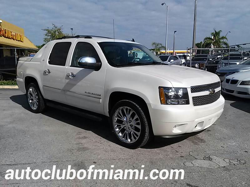 2011 CHEVROLET AVALANCHE LTZ 4X4 4DR CREW CAB PICKUP white all of our vehicles are clean titles f