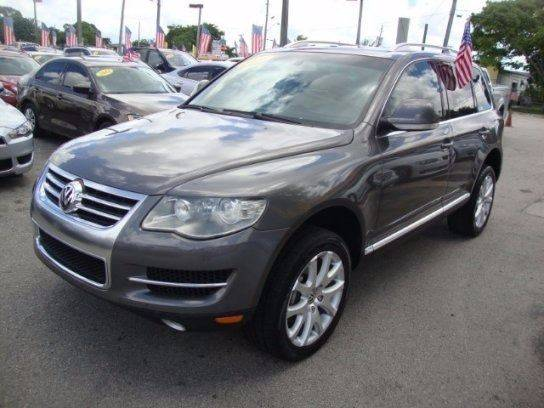 2008 volkswagen touareg 2 awd v8 fsi 4dr suv in miami fl. Black Bedroom Furniture Sets. Home Design Ideas