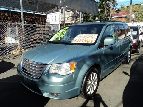 2008 Chrysler Town and Country for sale in Brooklyn, NY