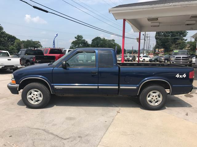 2001 Chevrolet S-10 2dr Extended Cab 4WD SB - Somerset KY