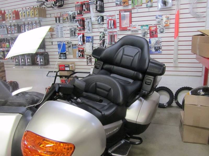 2016 Honda GL18HPM  - Belle Vernon PA