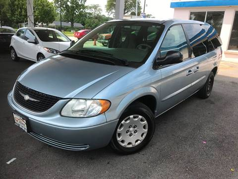 2003 Chrysler Town and Country for sale in Berkeley, IL