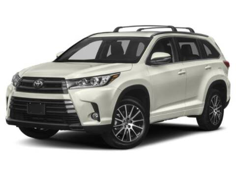 2019 Toyota Highlander SE for sale at WHALING CITY FORD LINCOLN MAZDA in New London CT