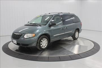 2005 Chrysler Town and Country for sale in Mason City, IA