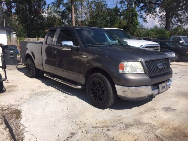2004 FORD F-150 XLT 4DR SUPERCAB RWD STYLESIDE 5 charcoal nice clean truck we finance front bumpe