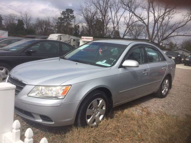 2010 HYUNDAI SONATA GLS 4DR SEDAN 5A silver very nice car   we finance body side moldings - body-