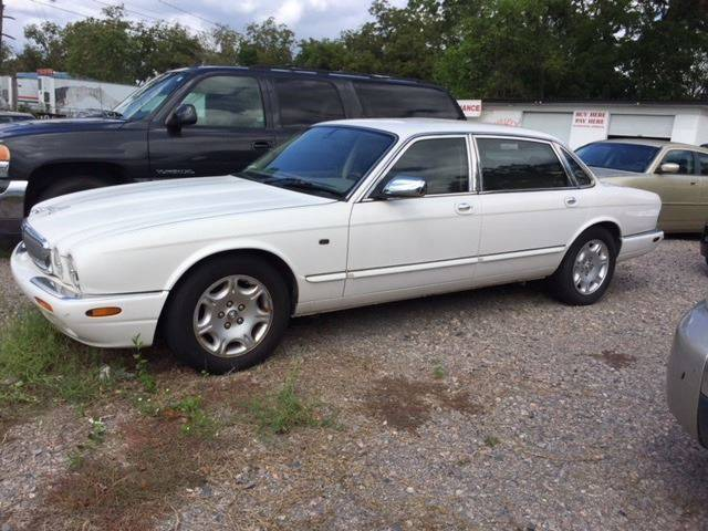 2003 JAGUAR XJ-SERIES VANDEN PLAS 4DR SEDAN white nice car runs and drives great front air condit