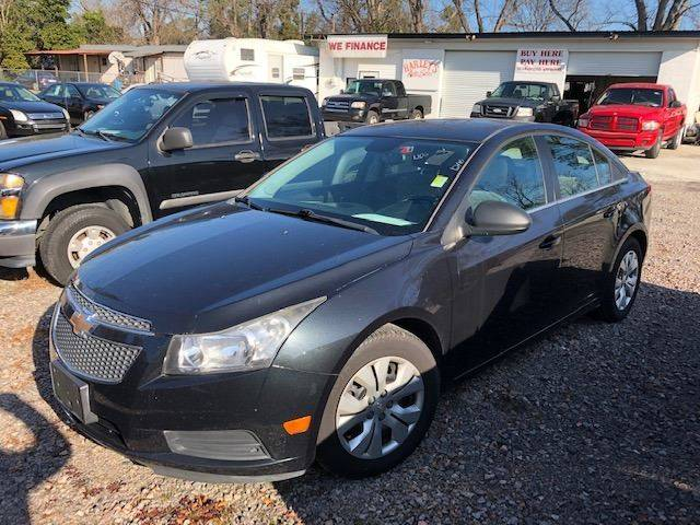 2012 CHEVROLET CRUZE LS 4DR SEDAN black nice chevrolet cruze great gas saver   we finance 119682