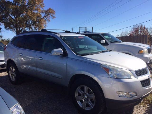 2009 CHEVROLET TRAVERSE LT 4DR SUV W2LT gray nice suv extra clean loaded rear entertainment 3rd