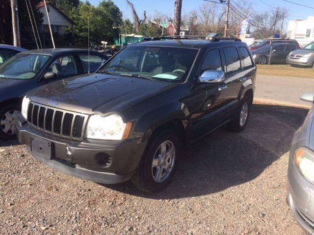 2006 JEEP GRAND CHEROKEE LAREDO 4DR SUV pewter clean low mileagewe finance cargo area floor m
