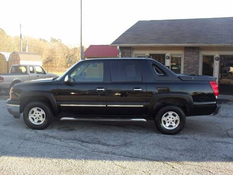 2005 Chevrolet Avalanche for sale at Britton Automotive Group in Loganville GA