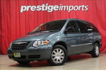 2006 Chrysler Town and Country for sale in St Charles, IL
