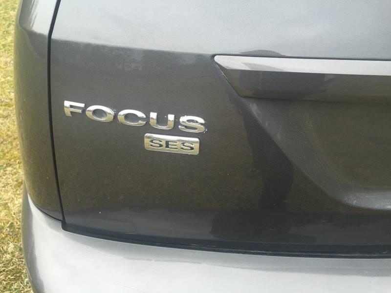 2005 Ford Focus ZX5 SES 4dr Hatchback - Binghamton NY