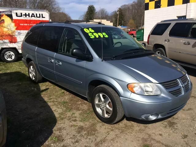 2006 Dodge Grand Caravan SXT 4dr Extended Mini-Van w/ Front, Rear and Third Row Head Airbags - Binghamton NY