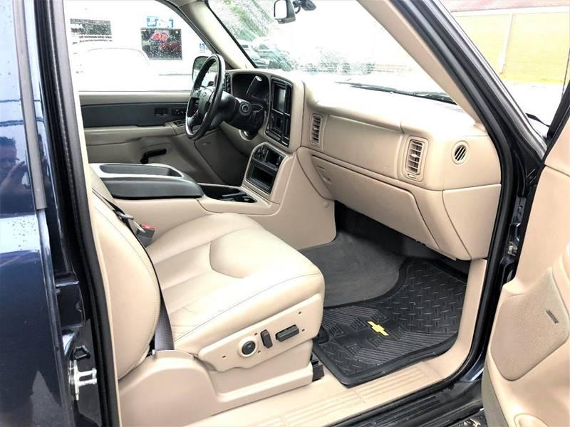2004 Chevrolet Avalanche 4dr 1500 4WD Crew Cab SB - Lynchburg VA