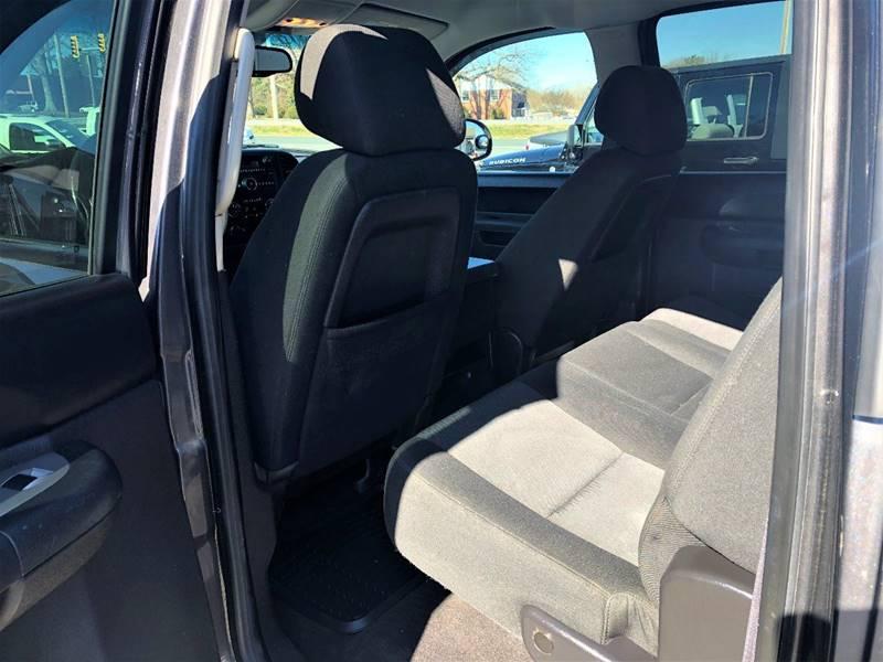 2011 Chevrolet Silverado 1500 4x4 LT 4dr Crew Cab 5.8 ft. SB - Lynchburg VA