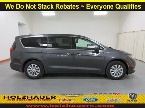 2018 Chrysler Pacifica for sale in Nashville, IL
