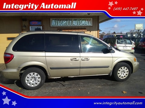 2005 Chrysler Town and Country for sale in Tiffin, OH