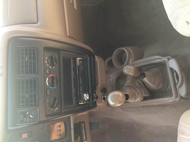 2002 Toyota Tacoma 2dr Xtracab V6 4WD SB - Poplar Bluff MO